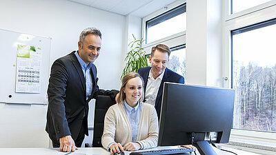Erfolgreiches Team am PC